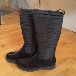 NWT Camper insulated lug sole rain snow boots!